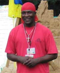 Джони, ведущий и диджей фестиваля песчаных скульптур